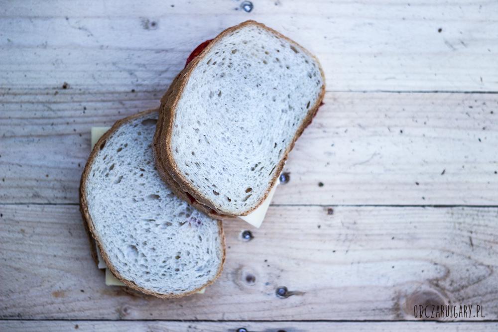 tosty-z-białego-chleba