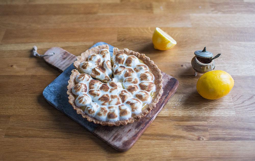 świąteczna tarta z lemon curd i bezą