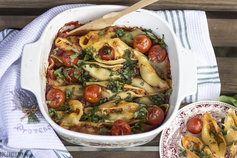 muszle w pomidorach z ziołami