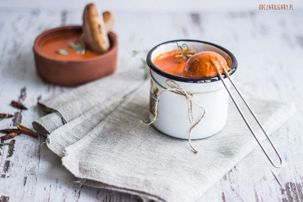 zupa-krem-z-pieczonej-papryki