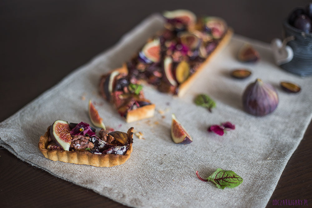 krucha tarta ze śliwkami i figami