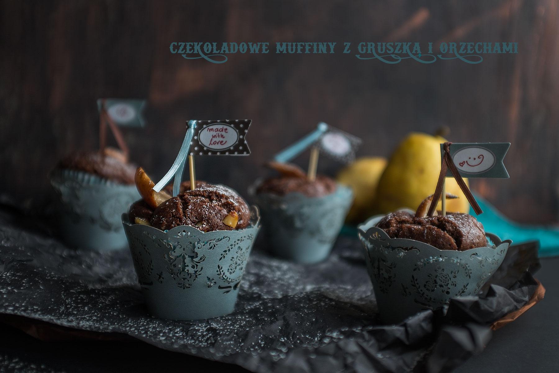 czekoladowe babeczki z gruszką