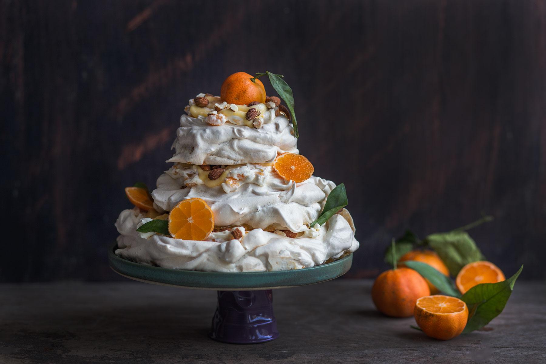 tort bezowy z kremem mandarynkowym