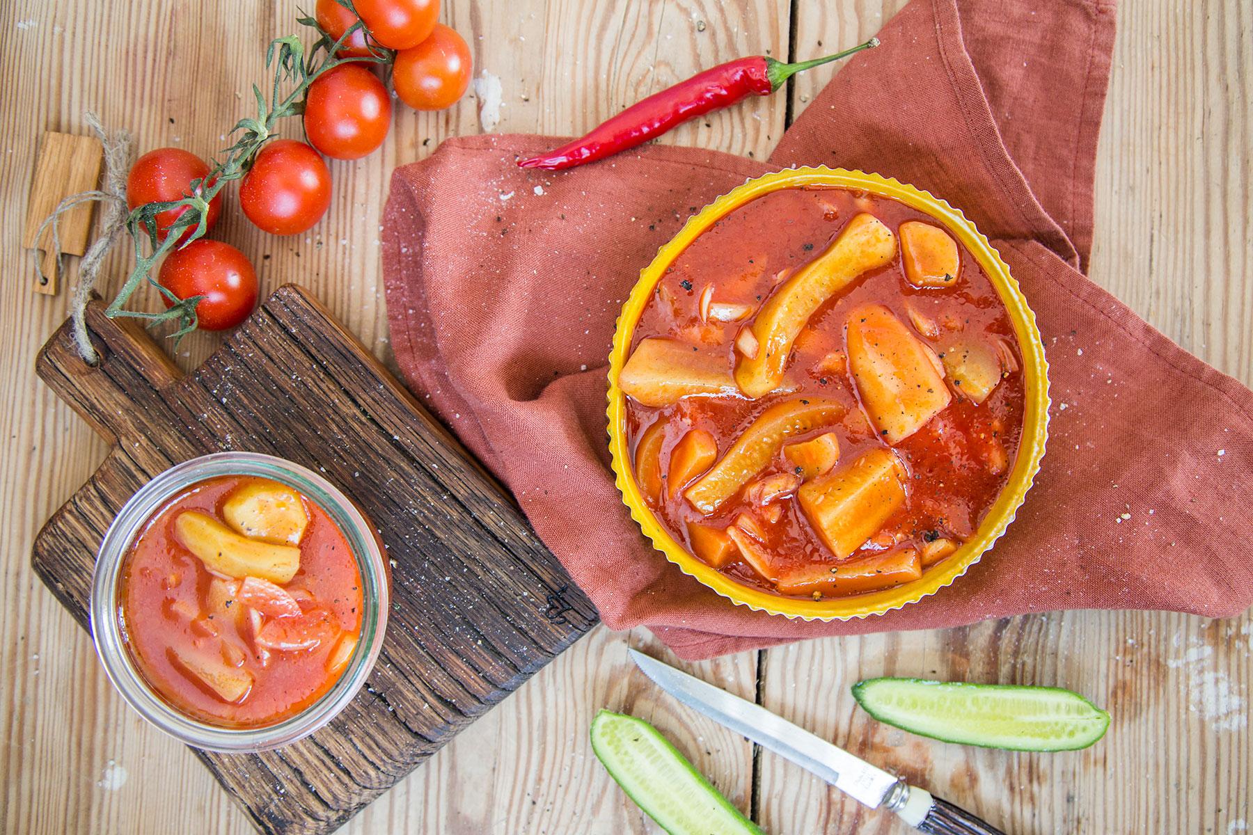 ogórki z pomidorach